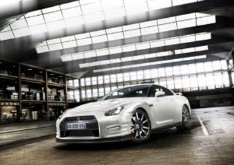 Nissan покажет в Женеве обновленные версии GT-R и 370Z